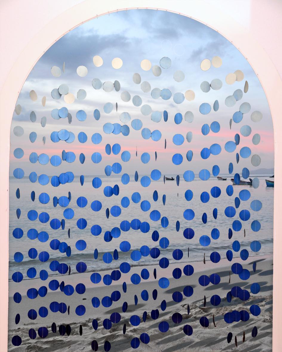 einhochzeitsblog DIY Projekt Ombre Vorhang Papier am Strand