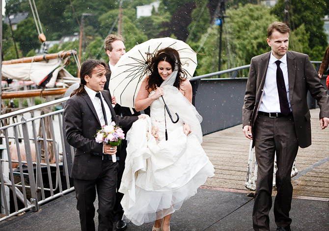 Hochzeit im Regen auf einhochzeitbslog.com