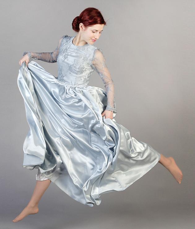 einhochzeitsblog.com zeigt ein glitzer-Brautkleid von femkit