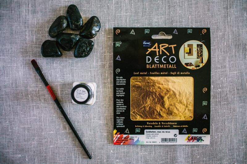 2 Vergoldete Kieselsteine Platzkarten DIY von Belle & Chic