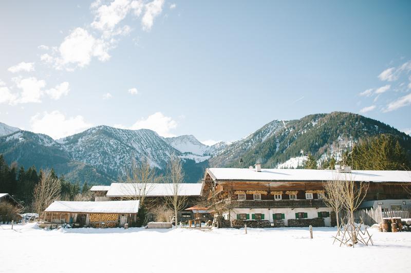 Winterhochzeit am Schliersee featured on einhochzeitsblog.com
