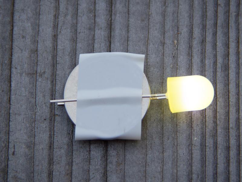 Leuchtene LED mit Knopfzelle