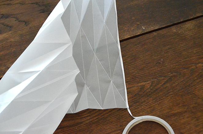 DIY-Tutorial-Papierlaternen-zusammenkleben