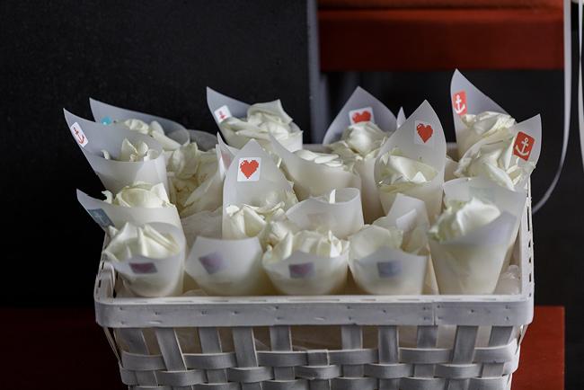 Winterhochzeit blumen  DIY Hochzeit im Hamburg | Hochzeitsblog marryMAG| Der Hochzeitsblog