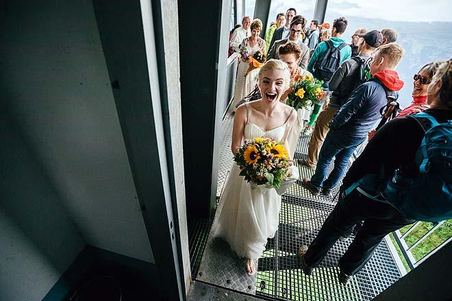 Hochzeitsreportage_Broadway_auf_der_Alm035
